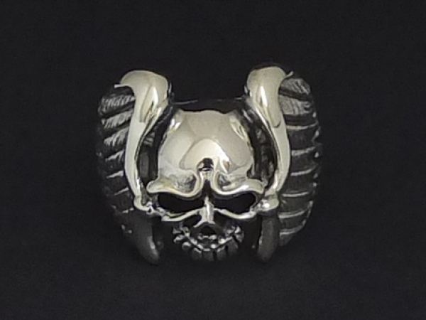 Totenkopfring Bikerschmuck Wings of Death